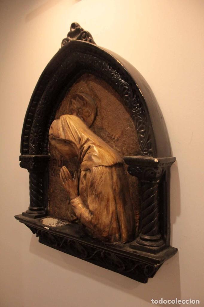 Antigüedades: Antiguo retablo con benditera, virgen, ave maria. Albacete 1931. 65x53cm - Foto 8 - 286831368