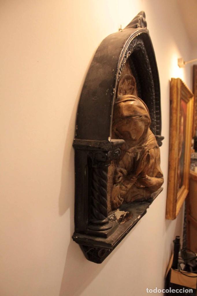 Antigüedades: Antiguo retablo con benditera, virgen, ave maria. Albacete 1931. 65x53cm - Foto 10 - 286831368
