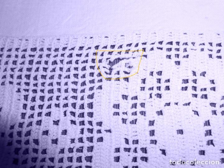 Antigüedades: Mantel Antiquo.Bordados,Vainicas anchas y Ganchillo fino.Beige claro.Lino Irlandés.125 x 125 cm - Foto 25 - 286845218