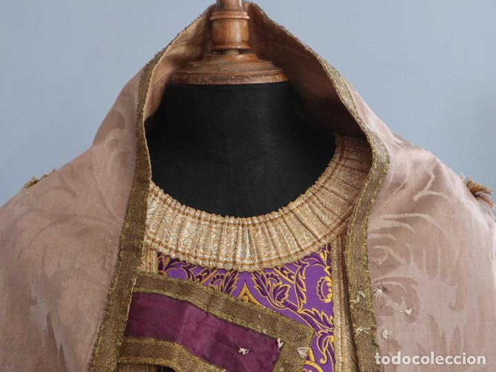 Antigüedades: Capa pluvial confeccionada en seda de damasco. España. Siglos XVIII-XIX. - Foto 3 - 286899398