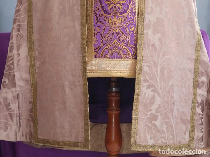 Antigüedades: Capa pluvial confeccionada en seda de damasco. España. Siglos XVIII-XIX. - Foto 6 - 286899398