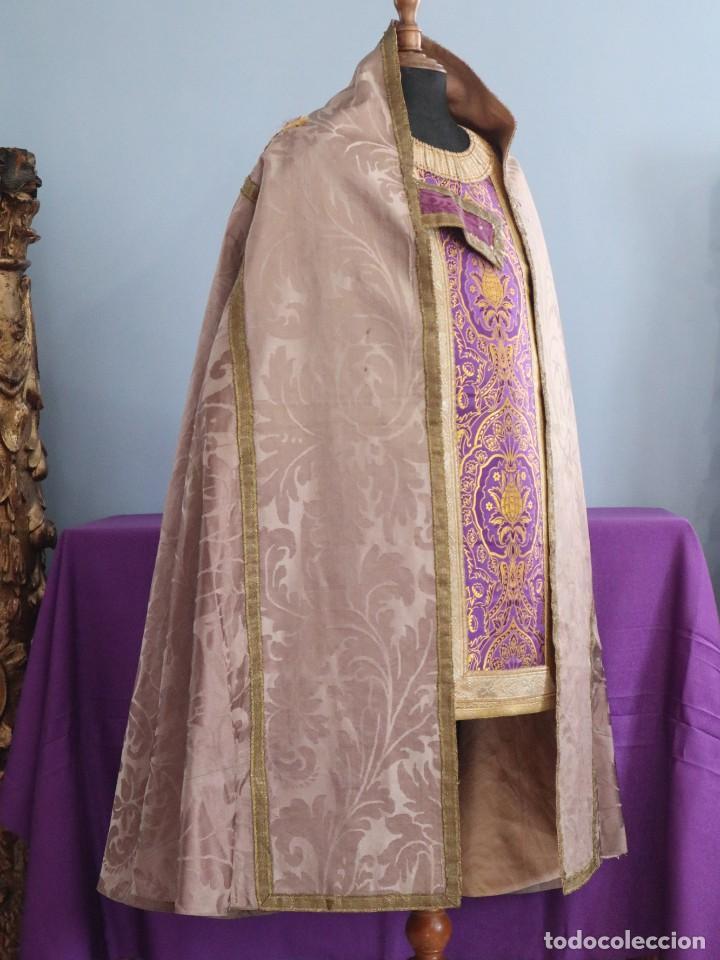 Antigüedades: Capa pluvial confeccionada en seda de damasco. España. Siglos XVIII-XIX. - Foto 7 - 286899398