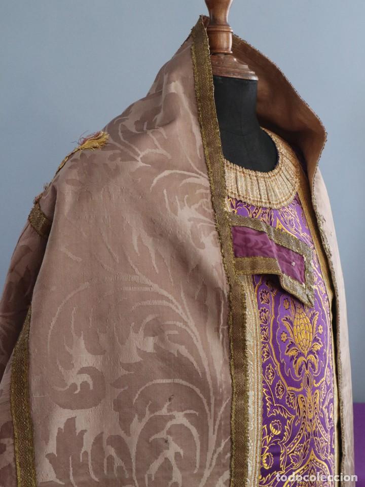 Antigüedades: Capa pluvial confeccionada en seda de damasco. España. Siglos XVIII-XIX. - Foto 8 - 286899398