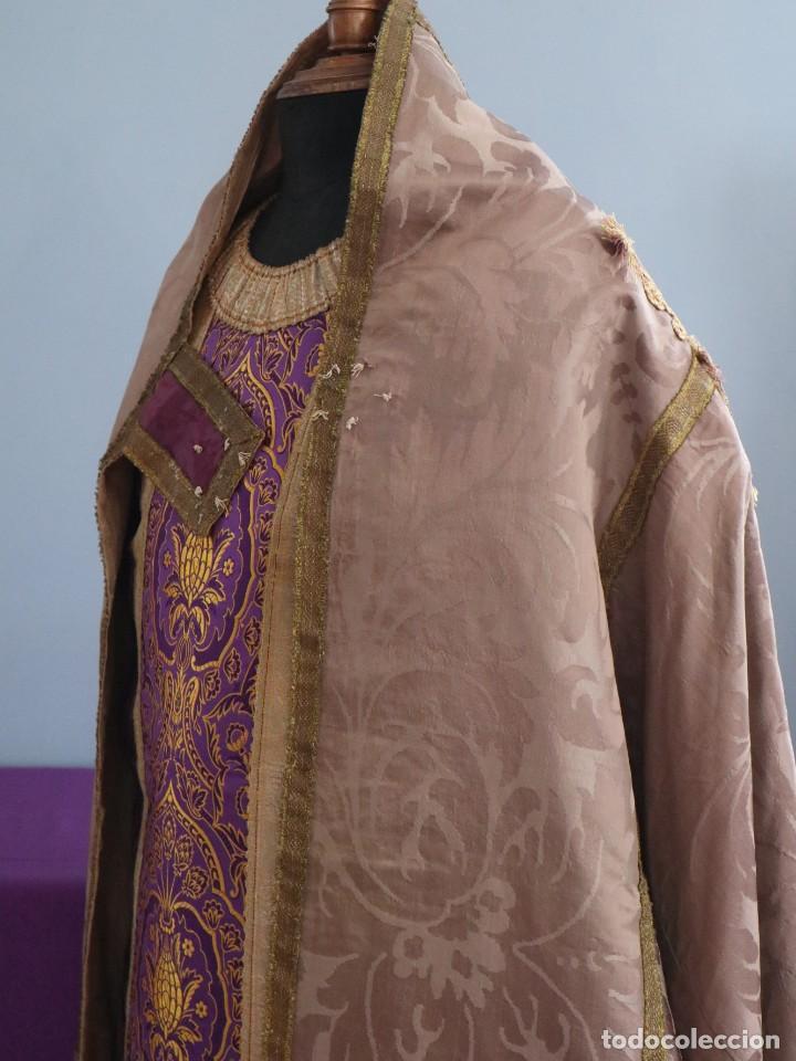 Antigüedades: Capa pluvial confeccionada en seda de damasco. España. Siglos XVIII-XIX. - Foto 9 - 286899398