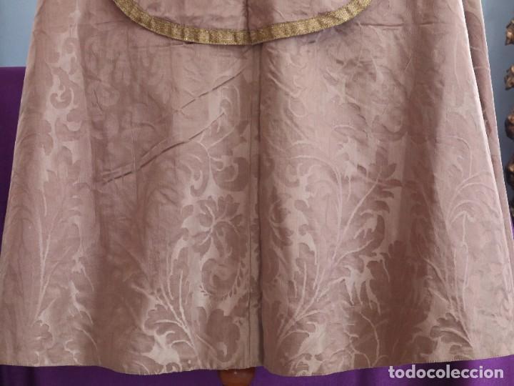 Antigüedades: Capa pluvial confeccionada en seda de damasco. España. Siglos XVIII-XIX. - Foto 13 - 286899398