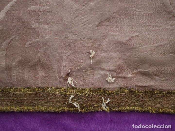 Antigüedades: Capa pluvial confeccionada en seda de damasco. España. Siglos XVIII-XIX. - Foto 21 - 286899398