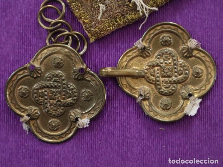Antigüedades: Capa pluvial confeccionada en seda de damasco. España. Siglos XVIII-XIX. - Foto 23 - 286899398