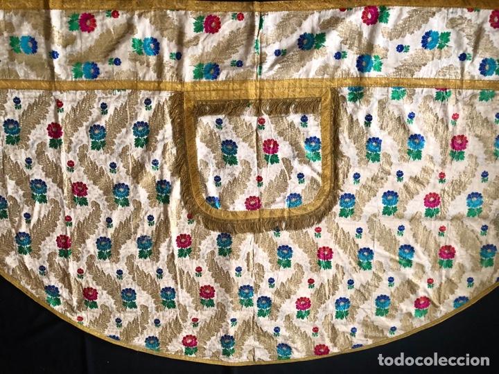 Antigüedades: Capa pluvial brocada en oro y sedas - Foto 2 - 286939688