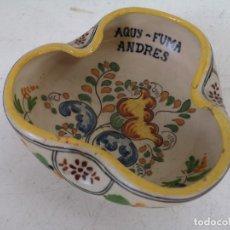 Antiquités: CENICERO DE CERÁMICA, HECHO Y PINTADO A MANO, FIRMADO EN BASE, ALAERA, S. TIMONERA, 18 CMS.. Lote 286963578