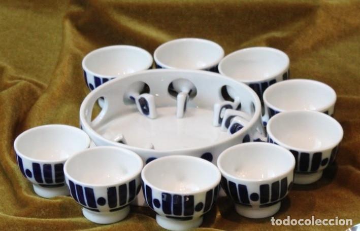 PIEZAS DE QUEIMADA SARGADELOS, BASE Y NUEVE POCILLOS (Antigüedades - Porcelanas y Cerámicas - Sargadelos)