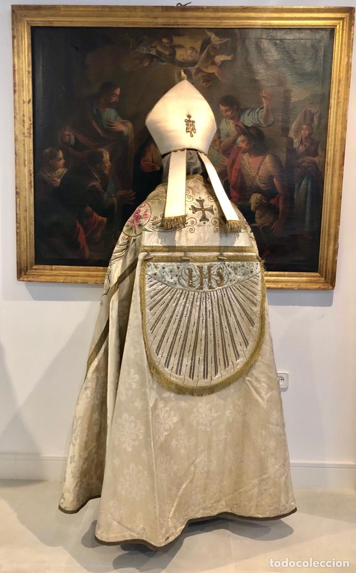 Antigüedades: Capa pluvial en seda blanca. Bordados. Siglo XIX. Flor de lis. - Foto 5 - 287141878