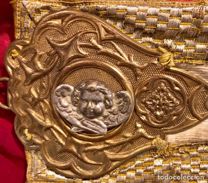 Antigüedades: Capa pluvial en seda blanca. Bordados. Siglo XIX. Flor de lis. - Foto 9 - 287141878