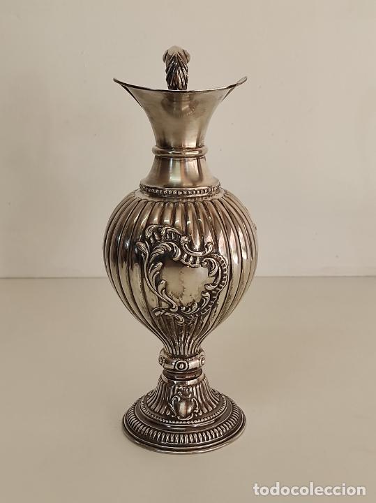 Antigüedades: Decorativa Jarra en Plata de Ley con Contrastes - Joyería Oriol, Barcelona - Altura 34 cm - Foto 2 - 287226638