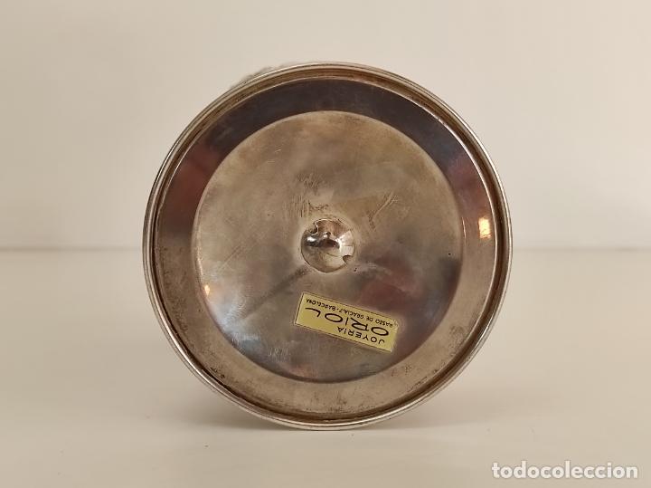 Antigüedades: Decorativa Jarra en Plata de Ley con Contrastes - Joyería Oriol, Barcelona - Altura 34 cm - Foto 13 - 287226638