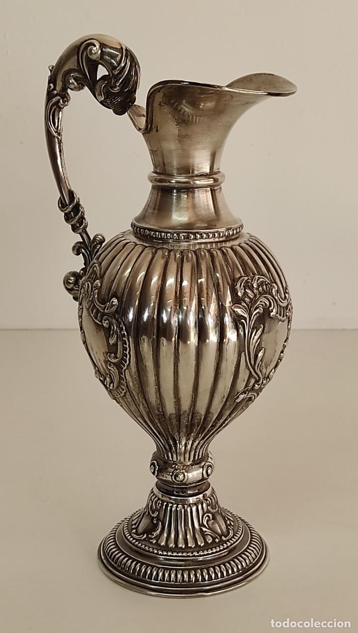Antigüedades: Decorativa Jarra en Plata de Ley con Contrastes - Joyería Oriol, Barcelona - Altura 34 cm - Foto 17 - 287226638