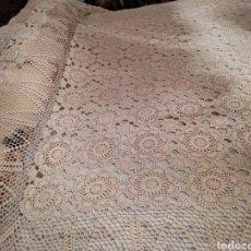 Antigüedades: COLCHA DE CROCHET DE COLOR BEIGE.. Lote 287238098