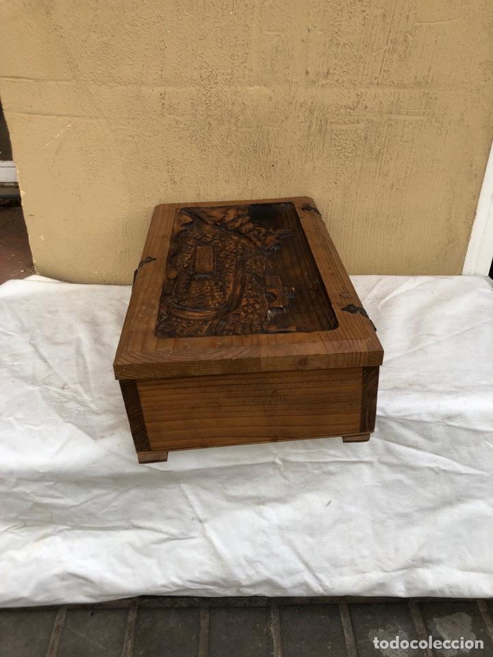 Antigüedades: Preciosa caja de madera antigua ( pueblo llopart tallado ). (46x26x14 cm) - Foto 4 - 287242348