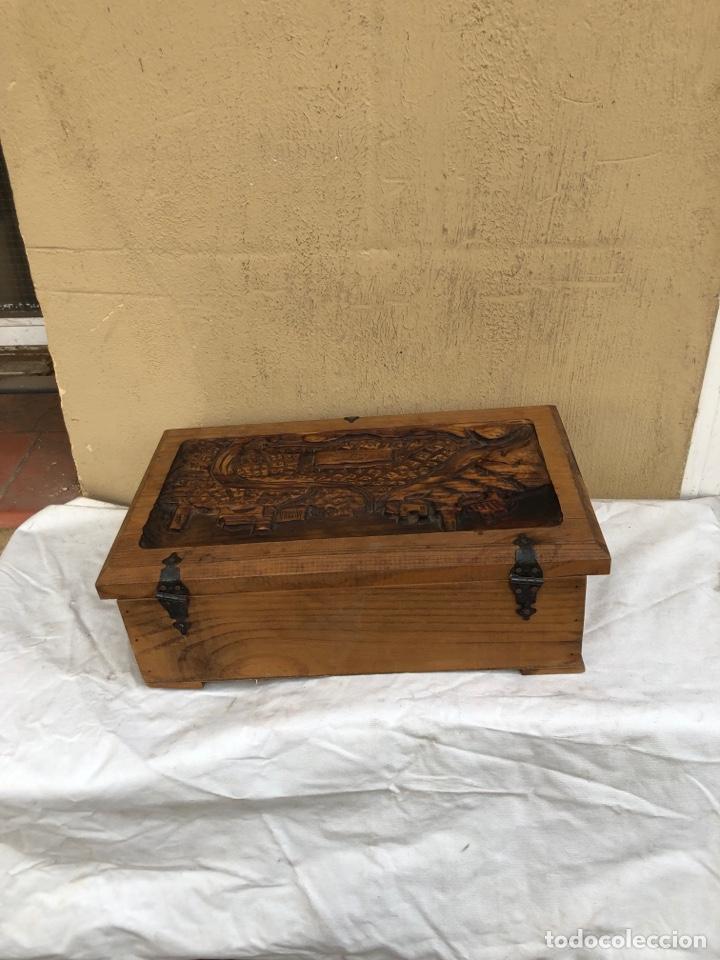 Antigüedades: Preciosa caja de madera antigua ( pueblo llopart tallado ). (46x26x14 cm) - Foto 5 - 287242348