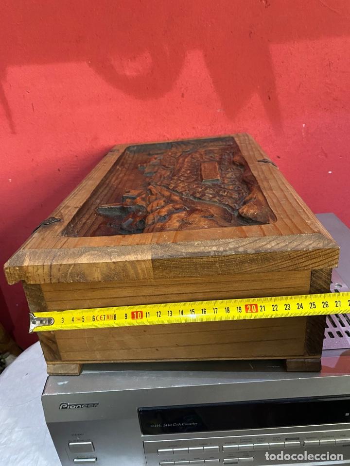 Antigüedades: Preciosa caja de madera antigua ( pueblo llopart tallado ). (46x26x14 cm) - Foto 9 - 287242348