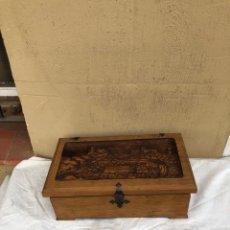 Antigüedades: PRECIOSA CAJA DE MADERA ANTIGUA ( PUEBLO LLOPART TALLADO ). (46X26X14 CM). Lote 287242348