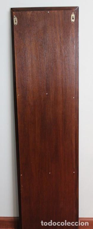 Antigüedades: Mueble expositor de CDS. Madera maciza. - Foto 5 - 287334868