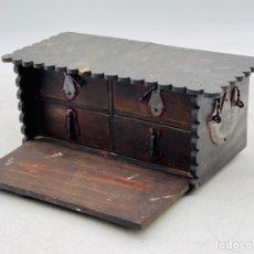 Antigüedades: ANTIGUA CAJA ESTILO MEDIEVAL. Lote 287386748
