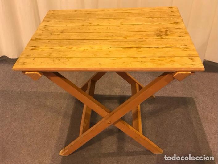 Antigüedades: Mesa de madera pino plegable para terraza. Pies lacados rosa claro. - Foto 2 - 287430613