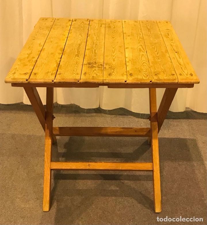 Antigüedades: Mesa de madera pino plegable para terraza. Pies lacados rosa claro. - Foto 4 - 287430613