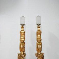 Antigüedades: HACHEROS ANTIGUOS DE MADERA TALLADA Y DORADA. Lote 287462488