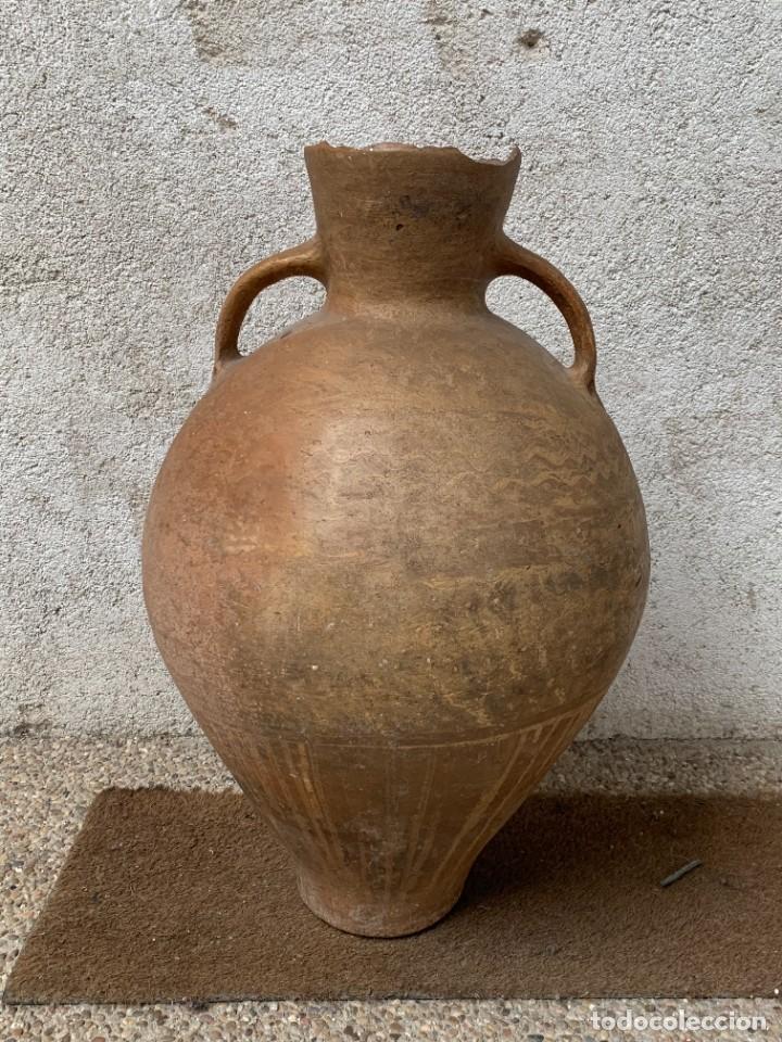 GRAN VASIJA CANTARO TINAJA VINO DOS ASAS CERAMICA VILLARROBLEDO INCISIONES ONDAS S XIX 63X38CMS (Antigüedades - Porcelanas y Cerámicas - Otras)