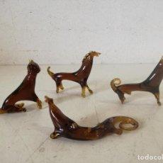 Oggetti Antichi: CONJUNTO DE 4 FIGURAS DE CRISTAL SOPLADO CON FORMAS DE ANIMALES, A IDENTIFICAR. Lote 287538323