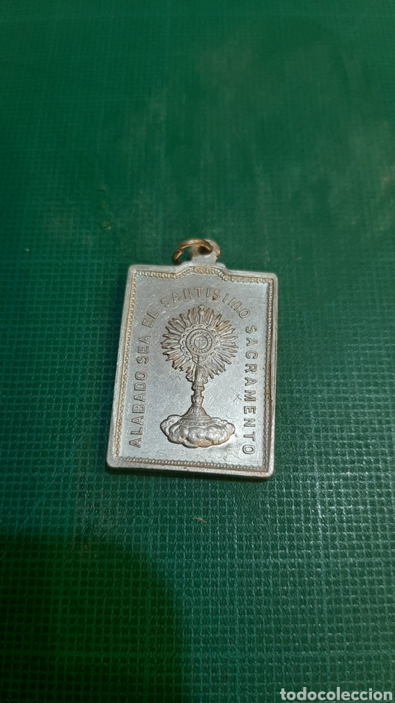 ADORACIÓN SANTISIMO SACRAMENTO MEDALLA ANTIGUA LUGO LUGO ALUMINIO BIEN GRACIAS (Antigüedades - Religiosas - Medallas Antiguas)