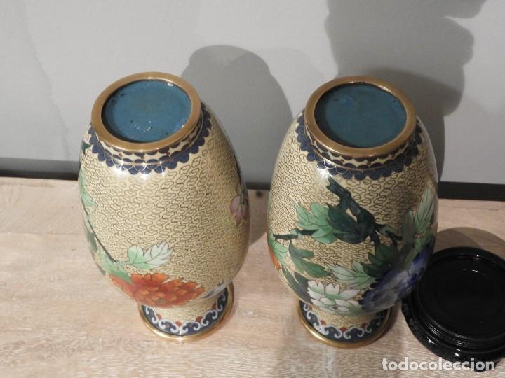 Antigüedades: PAREJA DE JARRONES CLOISONNE DE ESMALTE Y BRONCE - Foto 10 - 287569323