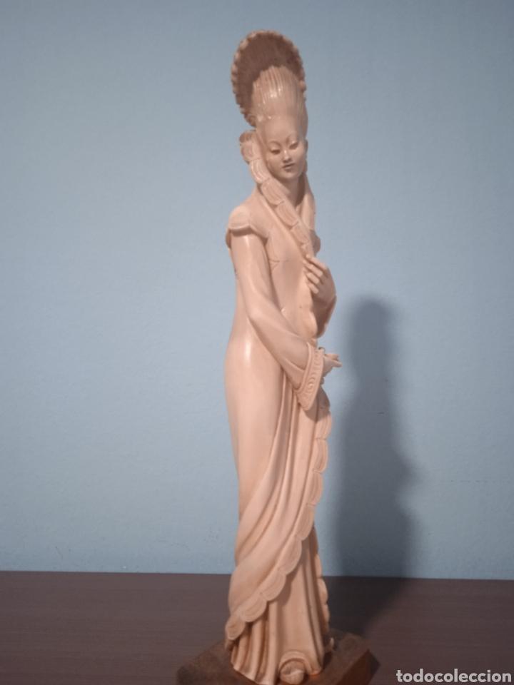 ANTIGUA FIGURA CHINA ESTÁ AEN BUEN ESTADO VER FOTOS ALTURA 38CM (Antigüedades - Hogar y Decoración - Figuras Antiguas)