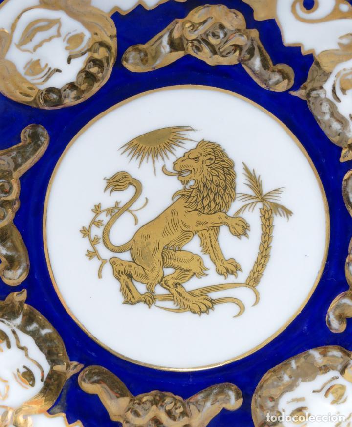 Antigüedades: Plato serie horoscopo Leo porcelana Castro Sargadelos diseño de Isaac Díaz Pardo mediados siglo XX - Foto 2 - 287682158