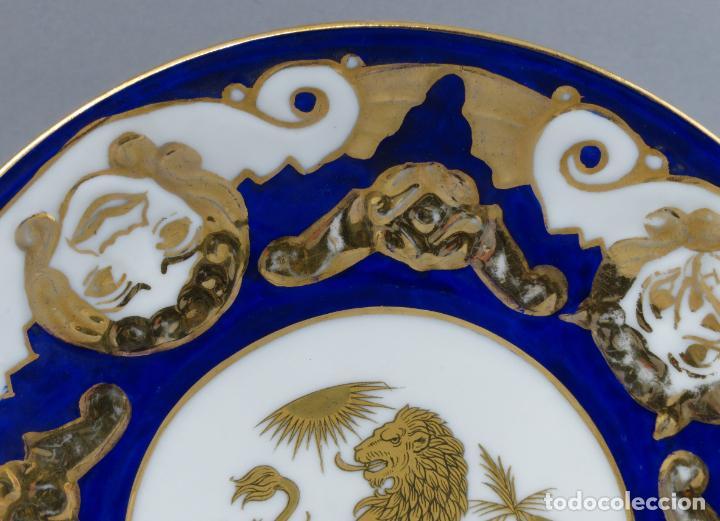 Antigüedades: Plato serie horoscopo Leo porcelana Castro Sargadelos diseño de Isaac Díaz Pardo mediados siglo XX - Foto 4 - 287682158