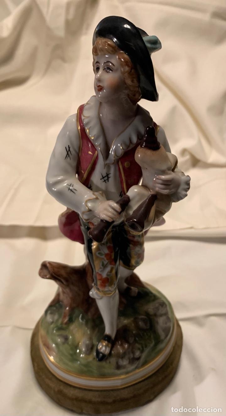 PORCELANA ANTIGUA (HOMBRE) (Antigüedades - Porcelana y Cerámica - Francesa - Limoges)