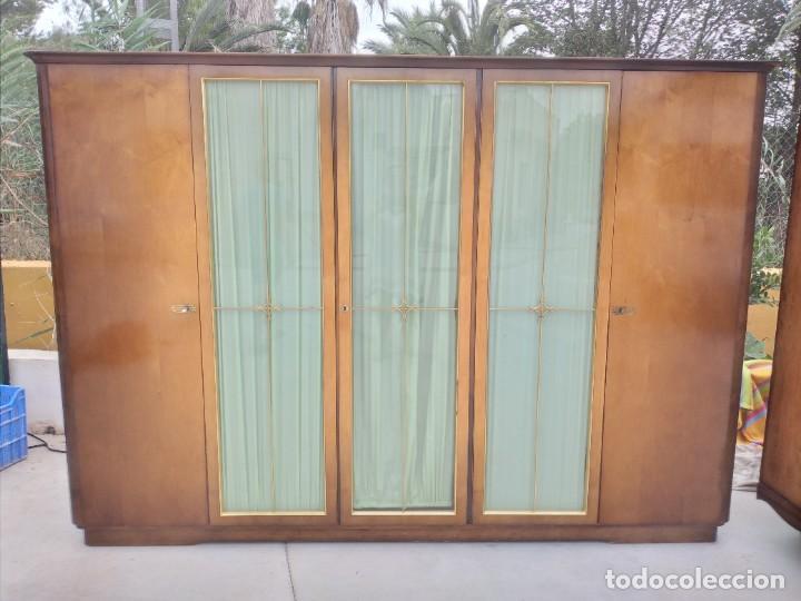 Antigüedades: Antiguo armario de madera de teca,5 puertas,3 de cristal,möbel mann karlsruhe mannheim, años 50/60 - Foto 2 - 287814853