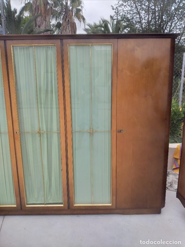 Antigüedades: Antiguo armario de madera de teca,5 puertas,3 de cristal,möbel mann karlsruhe mannheim, años 50/60 - Foto 5 - 287814853