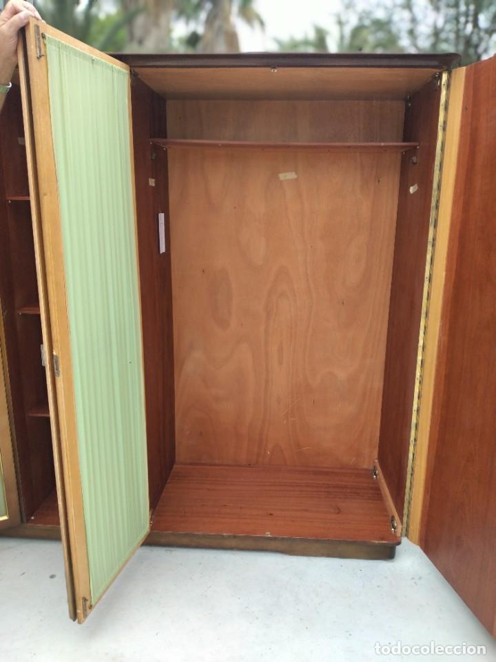 Antigüedades: Antiguo armario de madera de teca,5 puertas,3 de cristal,möbel mann karlsruhe mannheim, años 50/60 - Foto 9 - 287814853