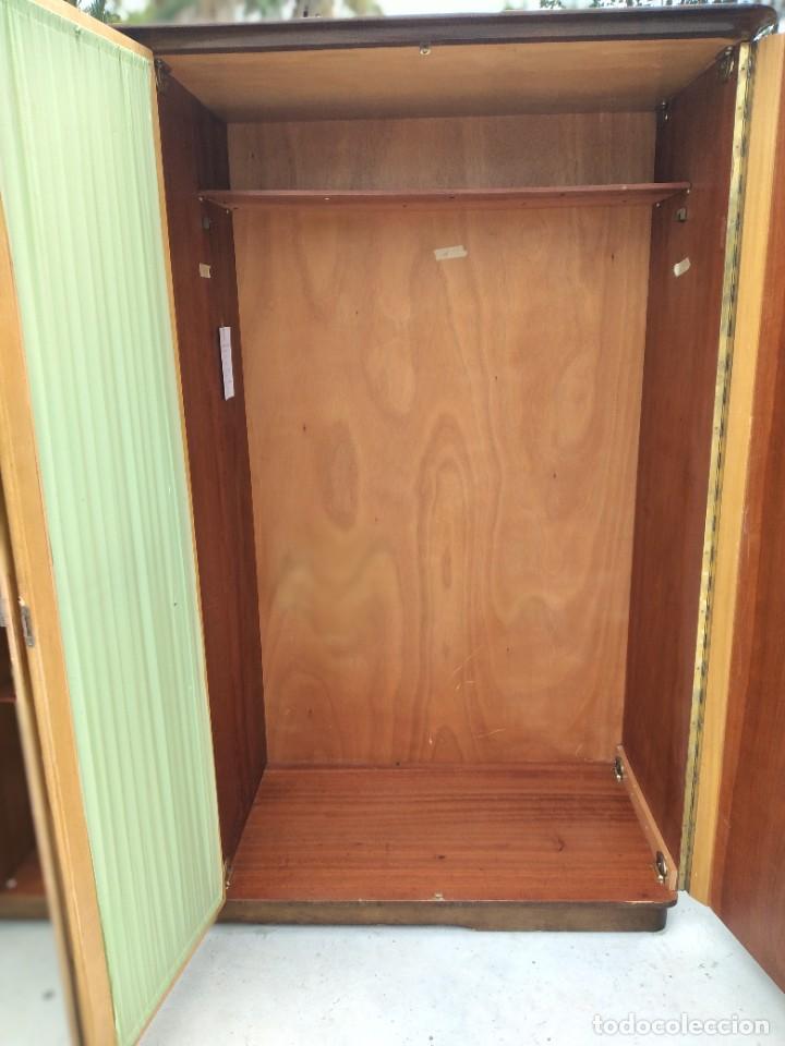 Antigüedades: Antiguo armario de madera de teca,5 puertas,3 de cristal,möbel mann karlsruhe mannheim, años 50/60 - Foto 10 - 287814853