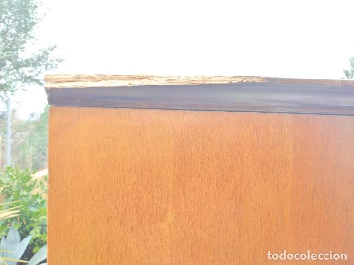Antigüedades: Antiguo armario de madera de teca,5 puertas,3 de cristal,möbel mann karlsruhe mannheim, años 50/60 - Foto 26 - 287814853