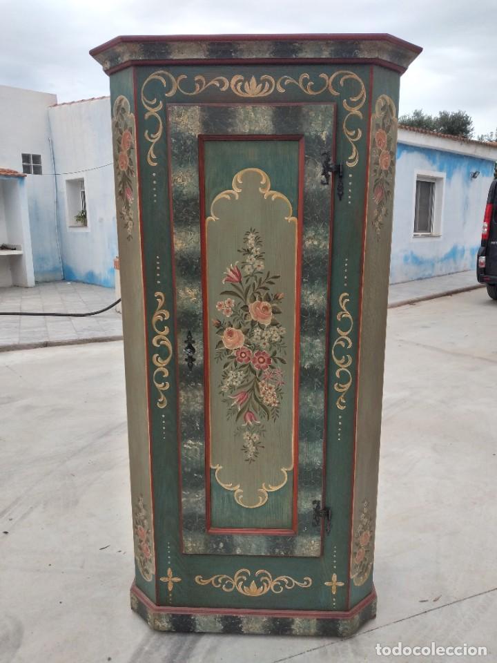 Antigüedades: Precioso mamario de madera de pino, pintado a mano, atelier Anne lebet,1 puerta - Foto 2 - 287815418