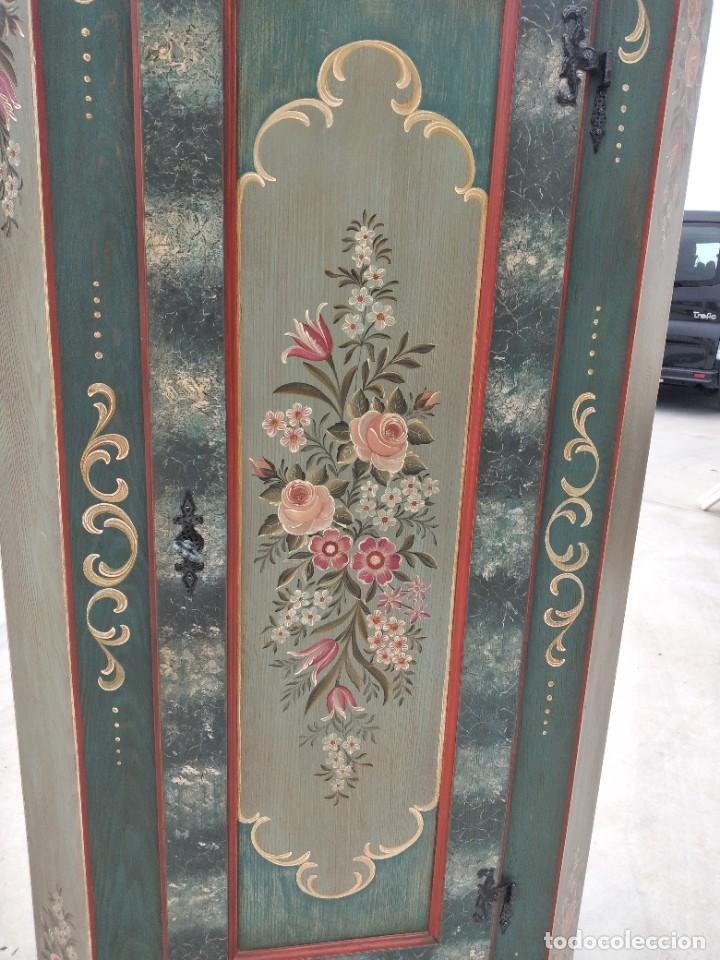 Antigüedades: Precioso mamario de madera de pino, pintado a mano, atelier Anne lebet,1 puerta - Foto 3 - 287815418