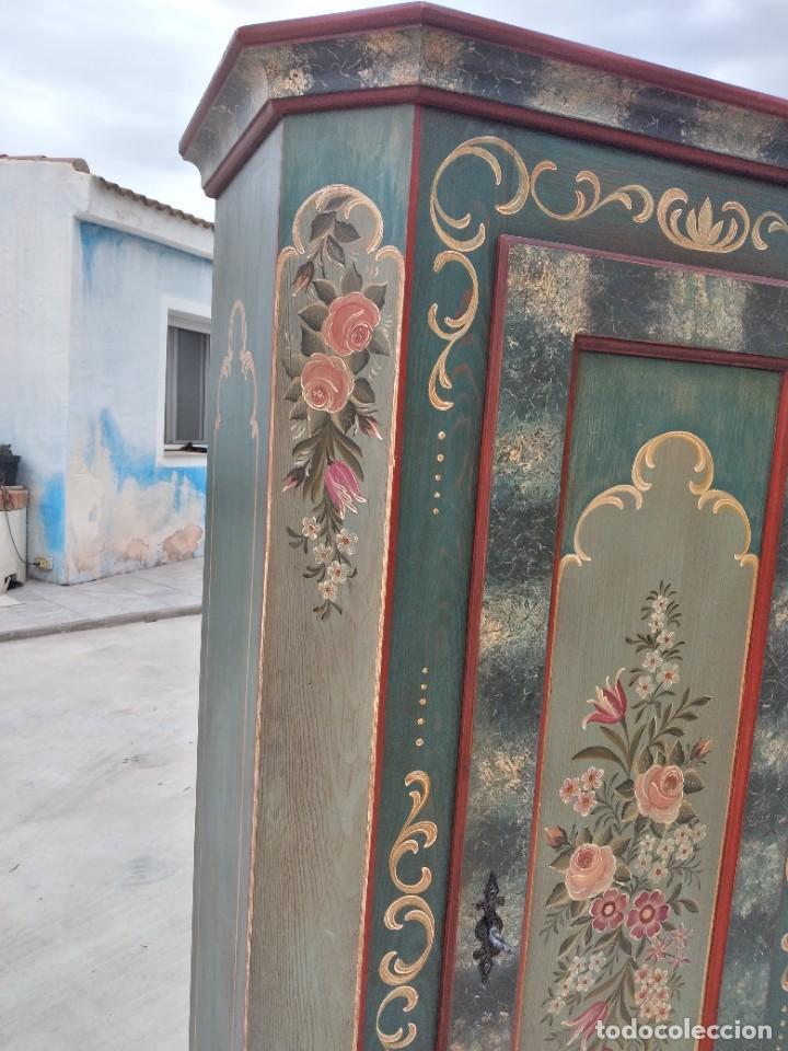 Antigüedades: Precioso mamario de madera de pino, pintado a mano, atelier Anne lebet,1 puerta - Foto 4 - 287815418