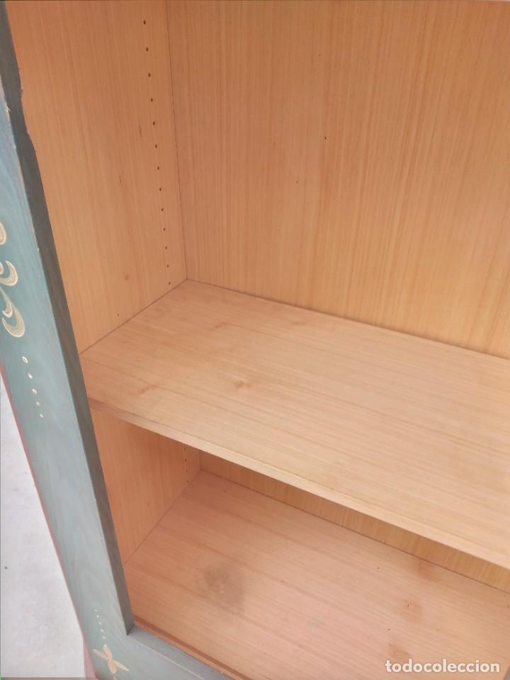 Antigüedades: Precioso mamario de madera de pino, pintado a mano, atelier Anne lebet,1 puerta - Foto 18 - 287815418
