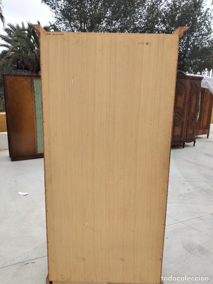 Antigüedades: Precioso mamario de madera de pino, pintado a mano, atelier Anne lebet,1 puerta - Foto 19 - 287815418