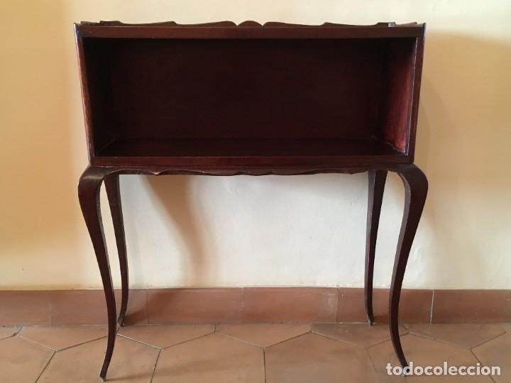 Antigüedades: Pequeña consola o librería madera. - Foto 2 - 287915418