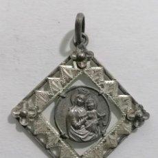 Antigüedades: MEDALLA, VIRGEN CON EL NIÑO, MEDIDAS 23 X 23 MM. Lote 287918383