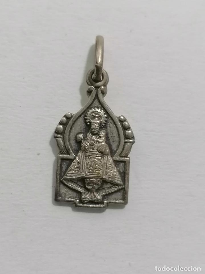 MEDALLA, VIRGEN CON EL NIÑO Y SAGRADO CORAZON, MEDIDAS 10 X 18 MM (Antigüedades - Religiosas - Medallas Antiguas)